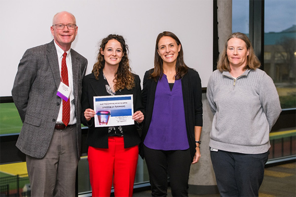 Elizabeth Ott accepting award